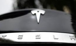Tesla, alev alan aracın ardından yazılım güncellemesine gidiyor